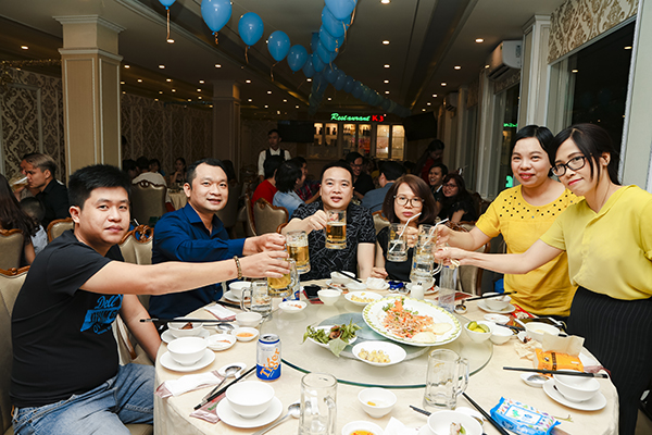 Toàn thể nhân viên TVBUY có buổi tiệc đầy ý nghĩa và ấn tượng